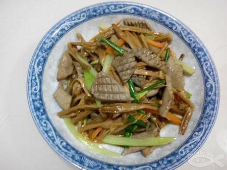 金针菜下奶的做法:金针菜炒猪腰.jpg