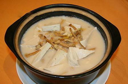 金针菜下奶的做法:金针菜瘦肉汤.jpg